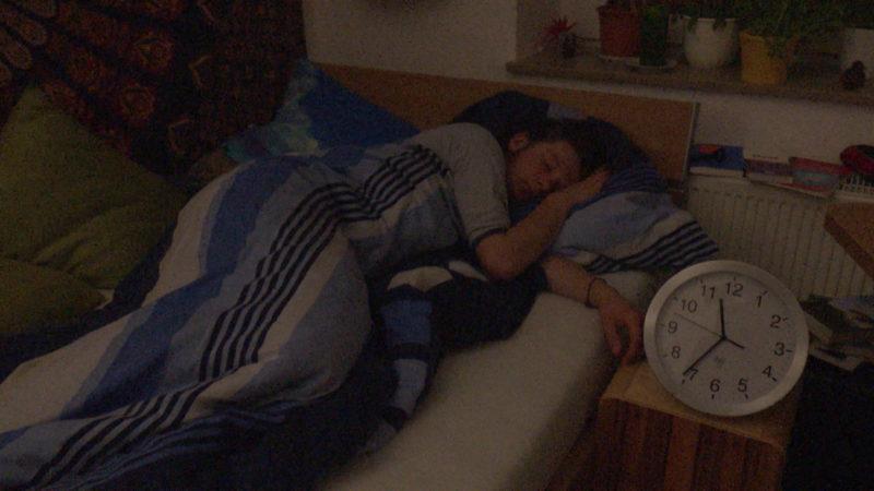 Schlafforscher: Mittagsschlaf ist gesund (Foto: SAT.1 NRW)