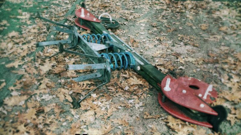 Unbekannte verwüsten Kinderspielplätze (Foto: SAT.1 NRW)
