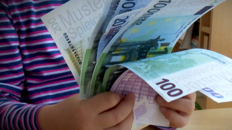 Betrug mit Kindergeld (Foto: SAT.1 NRW)