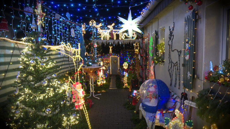 Schalte aus dem Weihnachtshaus (Foto: SAT.1 NRW)