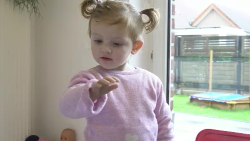 Prothese für Kleinkind (Foto: SAT.1 NRW)