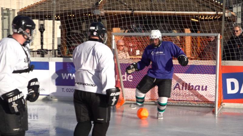 Fußball auf Eis (Foto: SAT.1 NRW)
