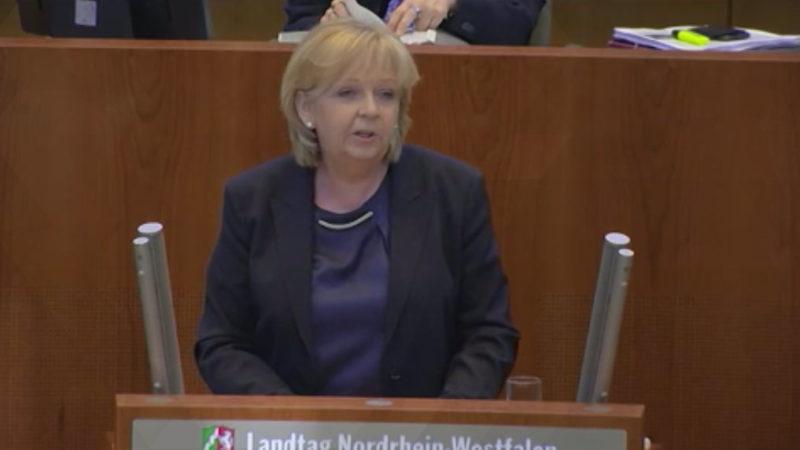 Hannelore Kraft verabschiedet sich (Foto: SAT.1 NRW)
