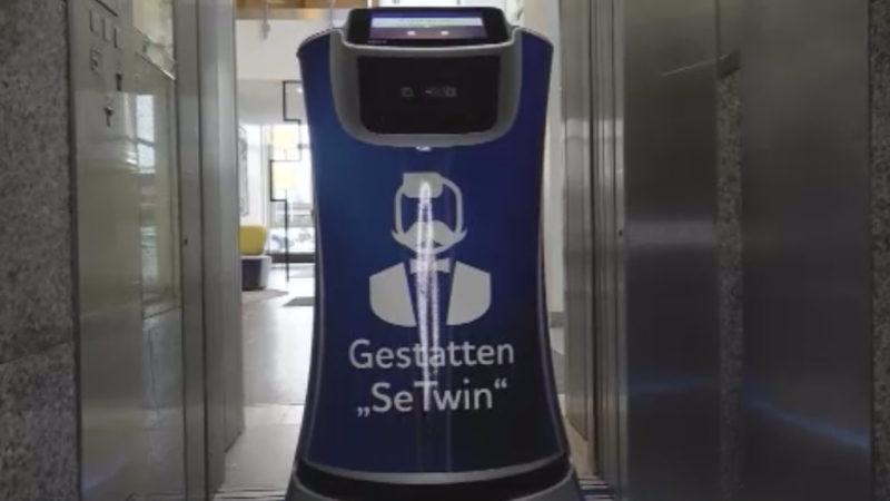 Hotelroboter erfreut die Gäste (Foto: SAT.1 NRW)