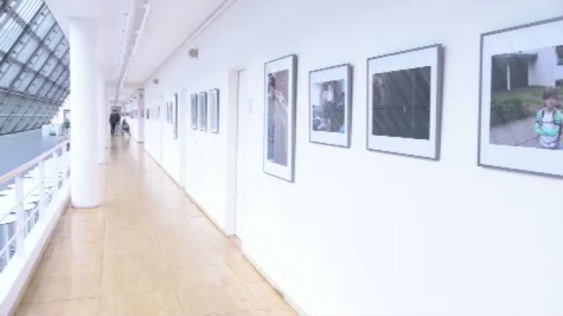 Ausstellung über Kinderarmut (Foto: SAT.1 NRW)