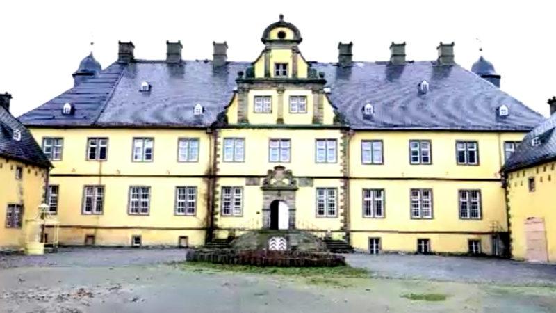 Schloss zu verkaufen (Foto: SAT.1 NRW)