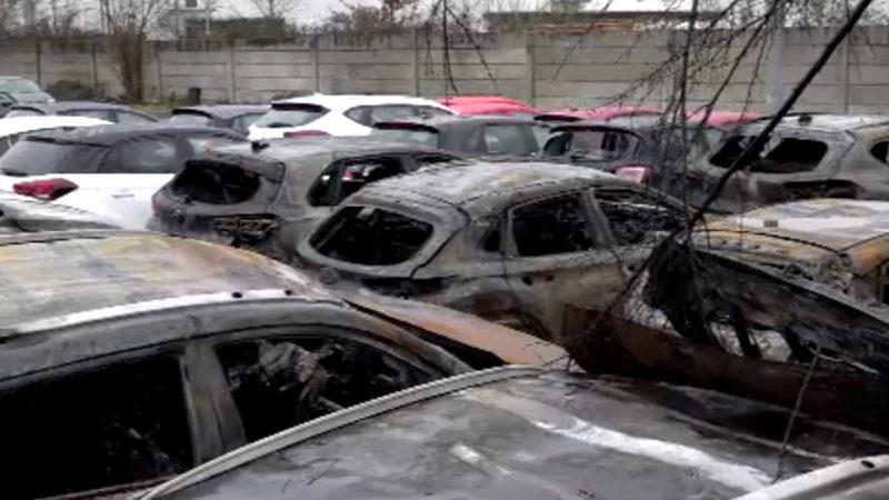 Fahndung nach Brand in Autohaus (Foto: SAT.1 NRW)