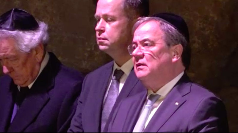 Ministerpräsident Laschet in Israel (Foto: SAT.1 NRW)