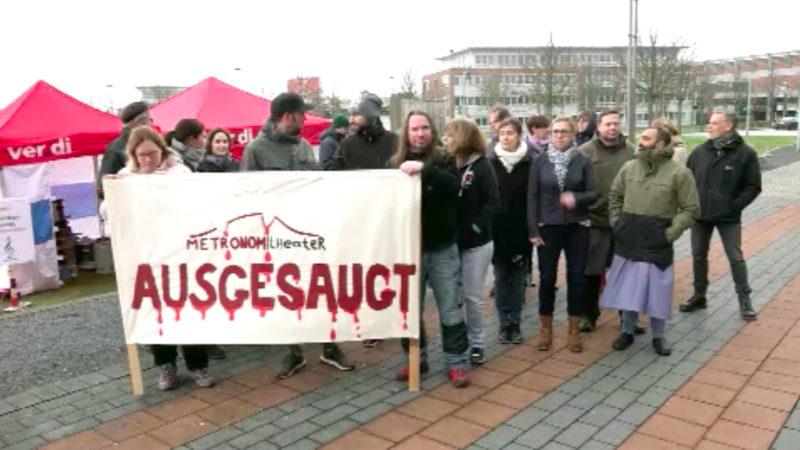 Protest gegen Theaterschließung (Foto: SAT.1 NRW)