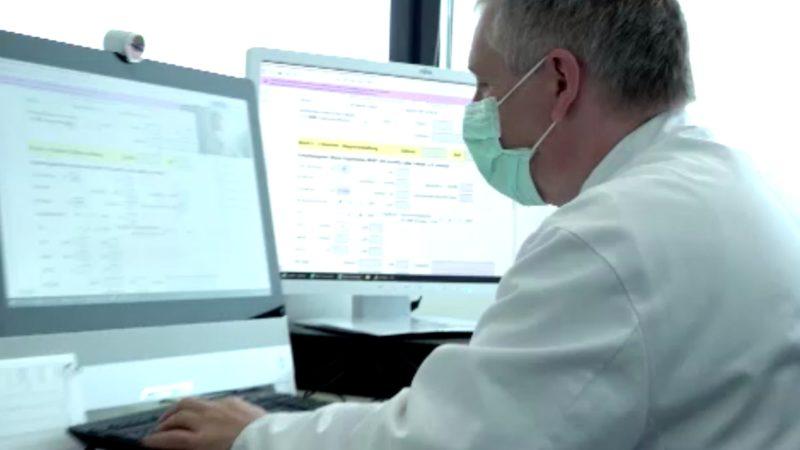 Diagnose per Webcam (Foto: SAT.1 NRW)