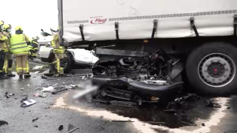 3 Tote bei schwerem Autounfall (Foto: SAT.1 NRW)