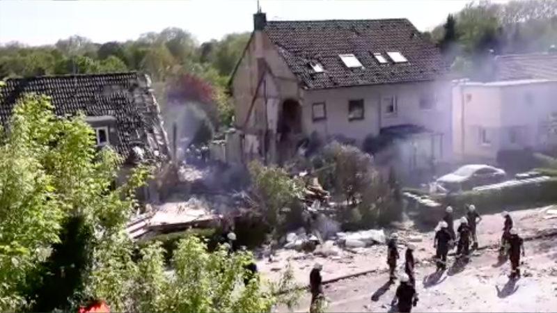 Obduktion nach Hausexplosion (Foto: SAT.1 NRW)