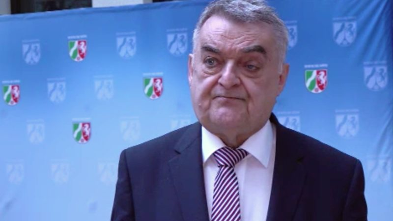 Innenminister Herbert Reul zum Kontaktverbot (Foto: SAT.1 NRW)