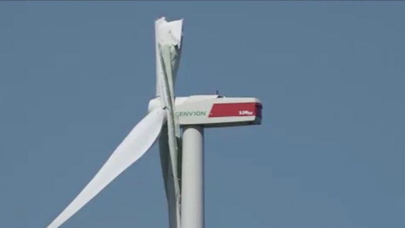 Wind beschädigt Windrad (Foto: SAT.1 NRW)