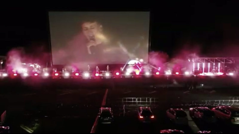 Tim Bendzko gibt Autokino-Konzert (Foto: SAT.1 NRW)