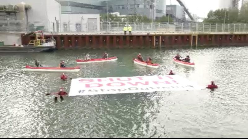 Schwimmender Protest gegen Datteln 4 (Foto: SAT.1 NRW)