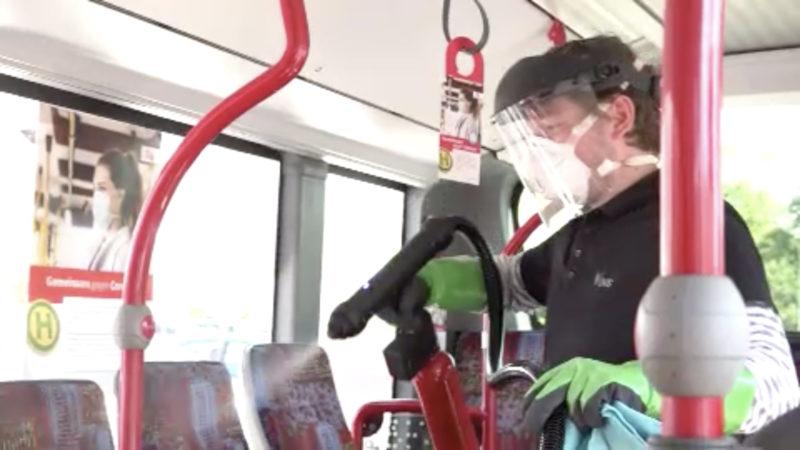 Anti-Corona-Spray für Bus und Bahn (Foto: SAT.1 NRW)