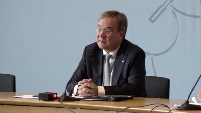 Ministerpräsident Laschet verlängert Maskenpflicht (Foto: SAT.1 NRW)