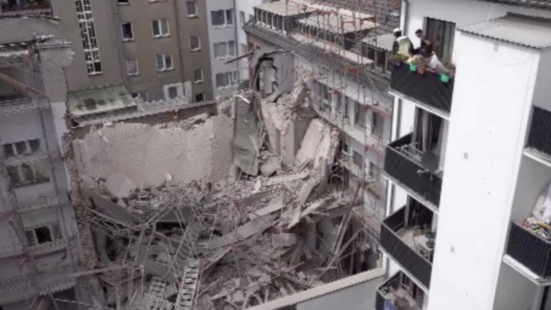 Mehrstöckiges Haus in Düsseldorf eingestürzt (Foto: SAT.1 NRW)