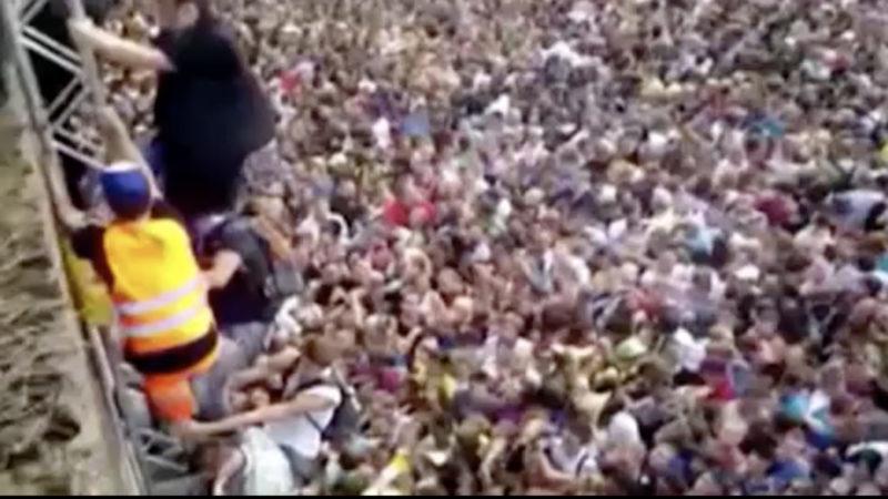 Bilder der Loveparade werden ausgestellt (Foto: SAT.1 NRW)