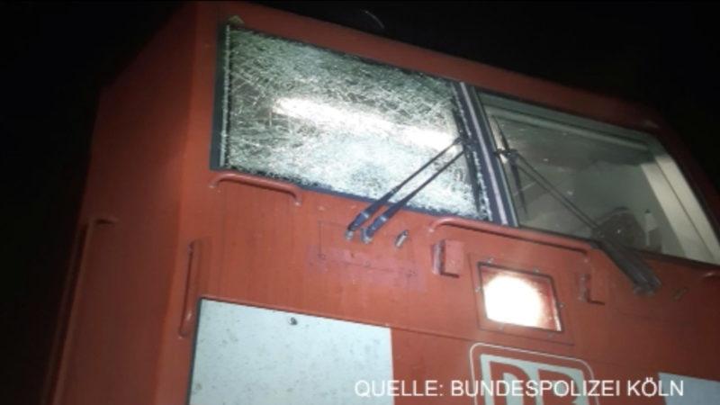 Steinbrocken auf Güterzug geworfen (Foto: SAT.1 NRW)