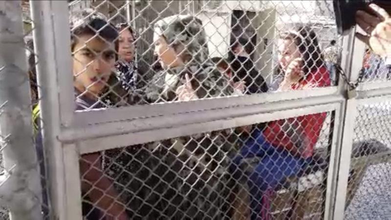 Laschet besucht griechisches Flüchtlingslager (Foto: SAT.1 NRW)