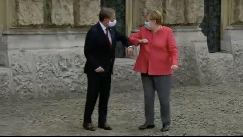 Angela Merkel besucht Armin Laschet (Foto: SAT.1 NRW)