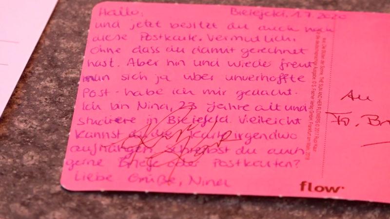 Geheimnisvolle Nina schreibt Senioren (Foto: SAT.1 NRW)