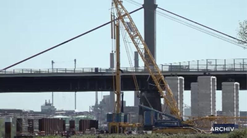 Politik diskutiert über Leverkusener Brücke (Foto: SAT.1 NRW)