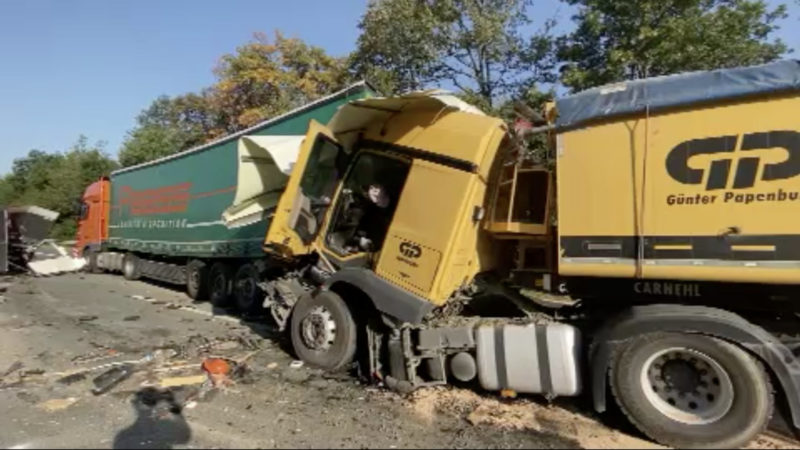 Lkw-Unfall auf A44 (Foto: SAT.1 NRW)