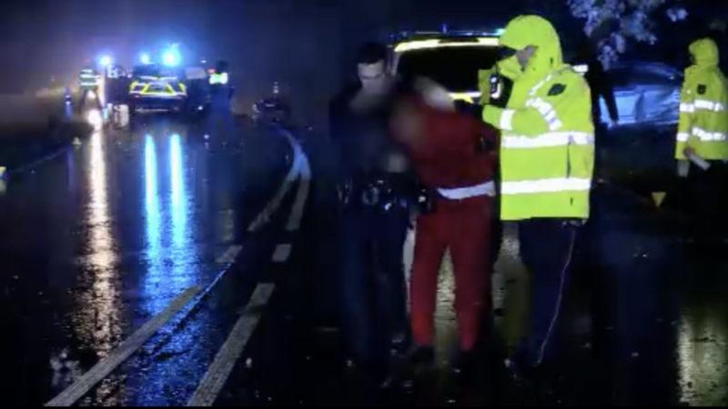 Einbrecher wird nach Verfolgungsjagd gefasst (Foto: SAT.1 NRW)