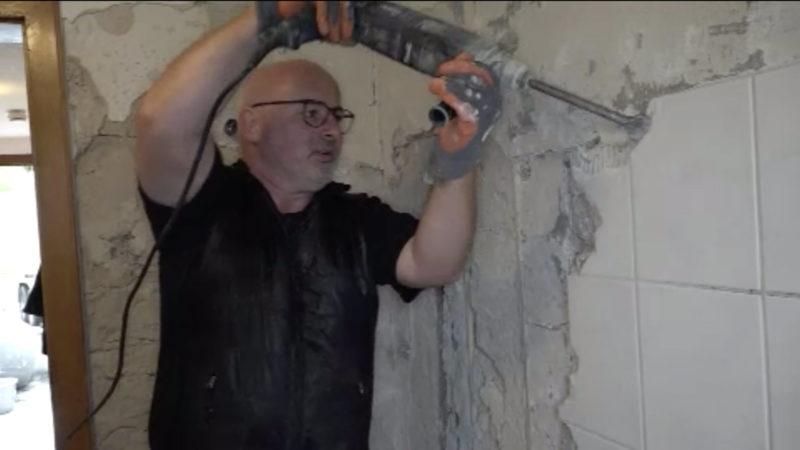 Kölscher Musiker wird wieder Handwerker (Foto: SAT.1 NRW)