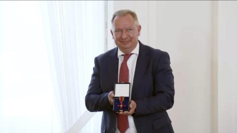 Heinsberger Landrat Pusch erhält Bundesverdienstkreuz (Foto: SAT.1 NRW)