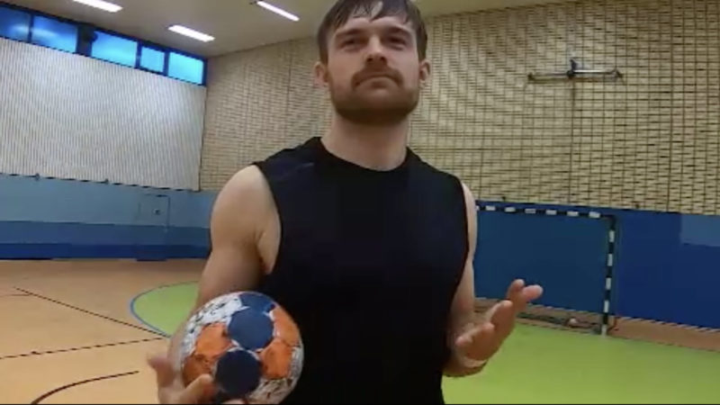 Sexy Trikots für Handballer (Foto: SAT.1 NRW)