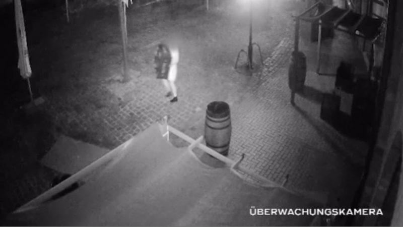 Diebe klauen Gastwirtin Terrassen-Möbel (Foto: SAT.1 NRW)