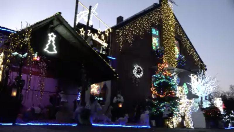 Duisburger schmückt sein Haus mit 100.000 Lichtern (Foto: SAT.1 NRW)