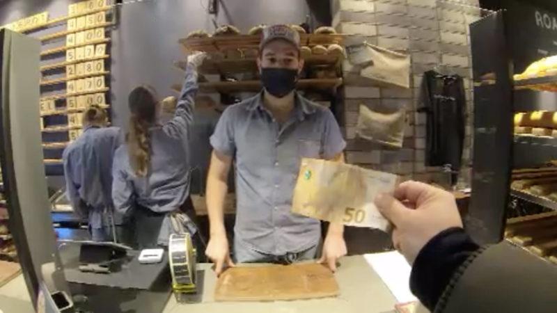 Bäcker schafft Bargeldzahlung ab (Foto: SAT.1 NRW)