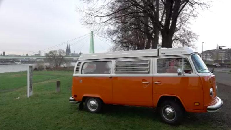 VW-Bus wird zum Dating-Bulli (Foto: SAT.1 NRW)