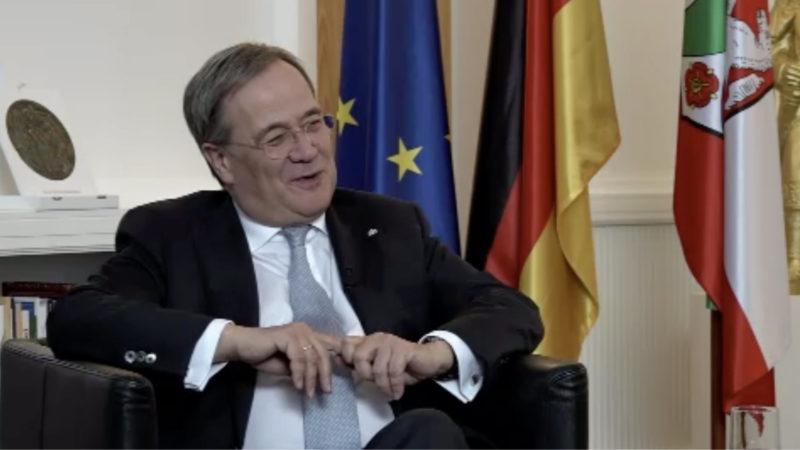 Interview mit NRW-Ministerpräsident (Foto: SAT.1 NRW)