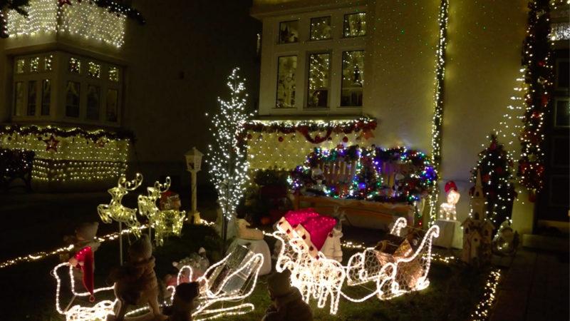 Ganzes Viertel weihnachtlich geschmückt (Foto: SAT.1 NRW)