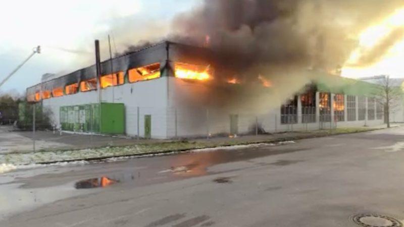 Druckerei abgebrannt (Foto: SAT.1 NRW)