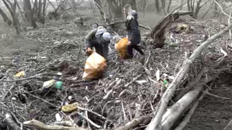 Aufräumen nach dem Hochwasser (Foto: SAT.1 NRW)