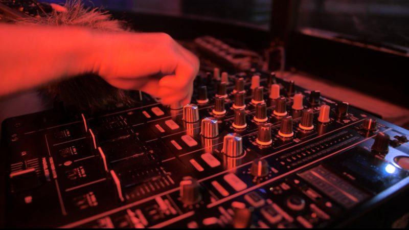 Kölner Club produziert besonderen Song (Foto: SAT.1 NRW)