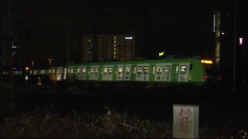 Bahn überrollt Gleisarbeiter (Foto: SAT.1 NRW)