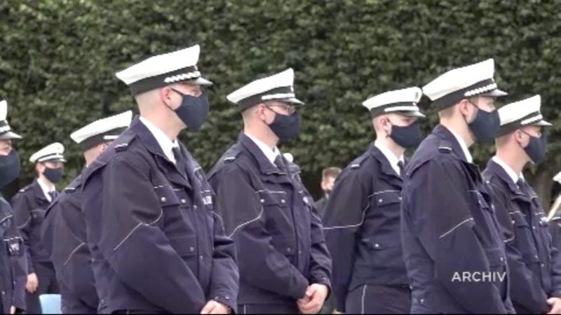 Stoffmasken für die Polizei (Foto: SAT.1 NRW)