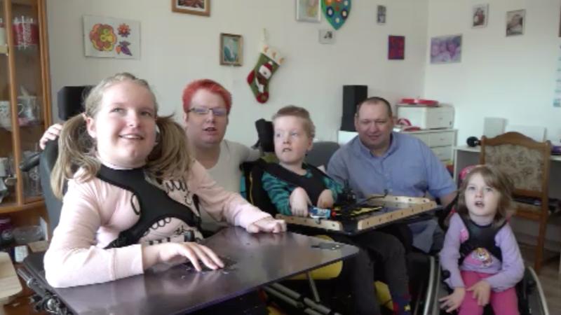 Neue Wohnung für schwer behinderte Kinder gesucht (Foto: SAT.1 NRW)