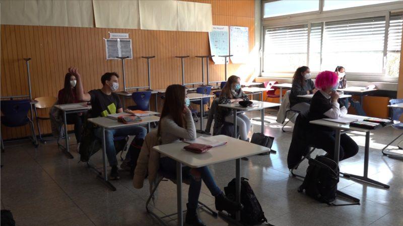 Laschet fordert Tests an Schulen (Foto: SAT.1 NRW)