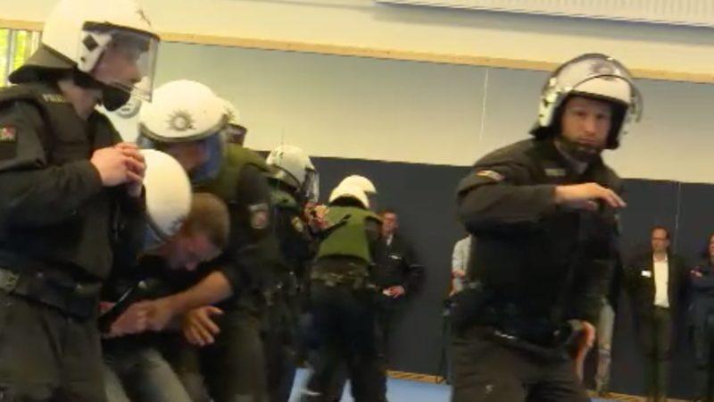 Polizeitraum wird real (Foto: SAT.1 NRW)