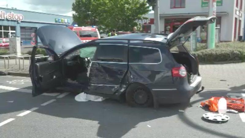 Unfall: Notarzt hilft außer Dienst (Foto: SAT.1 NRW)