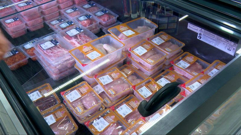 Discounter verbannt Billigfleisch (Foto: SAT.1 NRW)
